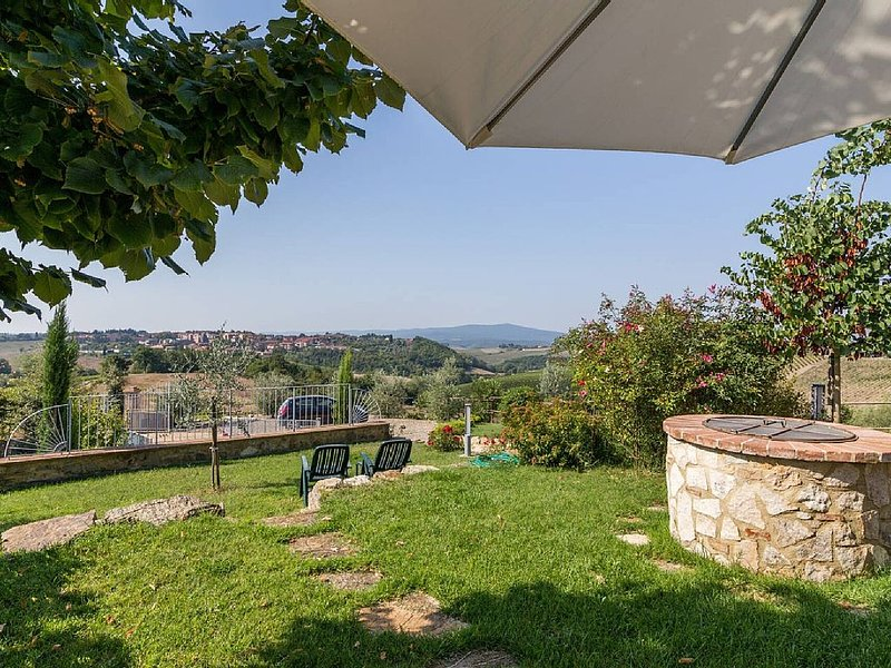 Breathtaking views over Chianti Classico hills and the village of Quercegrossa