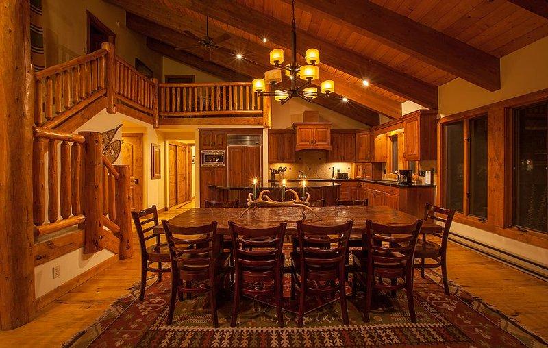 Mountain Lodge Close to Ski Resort, Grand Teton and Yellowstone National Parks, location de vacances à Wilson