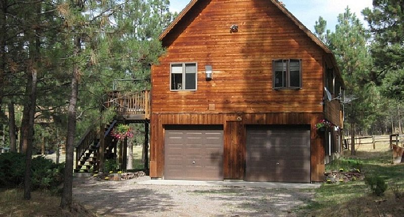Secluded Montana Home and Horse Property, holiday rental in Clinton
