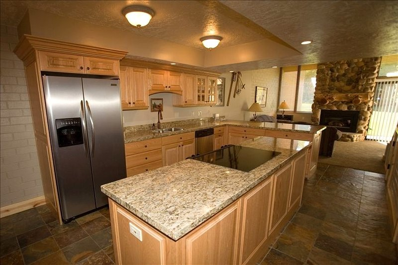 PARK CITY UTAH - Great Family Ski & Vacation Location!! - Low Rates Available!!, vacation rental in Park City