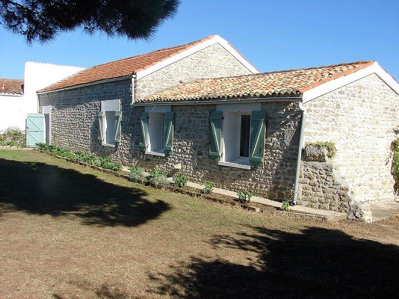 Maison Oleronaise a CHAUCRE 850M dela mer à deux pas de la boulangerie epicerie, vakantiewoning in Saint-Georges d'Oléron