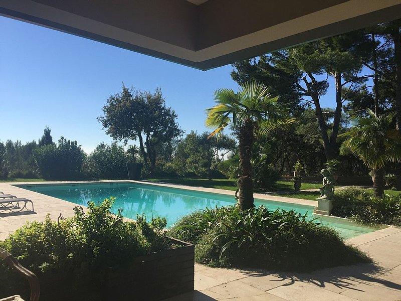 Superbe maison  dans un lieu d'exception au cœur de la Provence, vacation rental in Carpentras