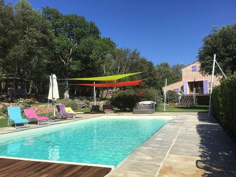 Expérience Unique! votre Bastide fleurie sur 3ha de vignes, lavandes, oliviers!, casa vacanza a Ponteves