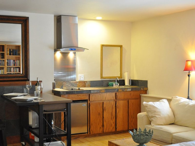 Beautiful Apartment in Ashland, holiday rental in Ashland