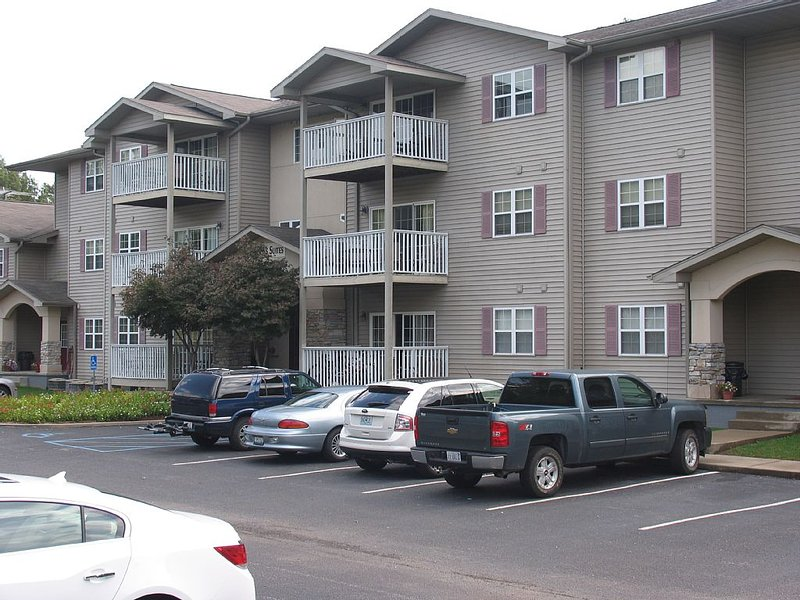 Beautiful 2 bedroom/2 bath Condo located on the Rend Lake Golf Course, holiday rental in Sesser