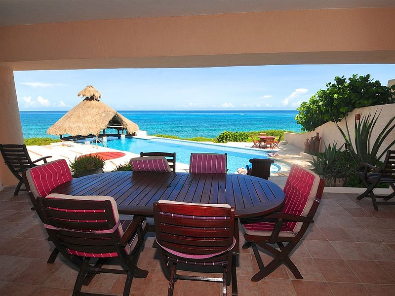 Casa La Fiesta. Watch dolphins and cruise ships go by from your pool., holiday rental in Isla Mujeres