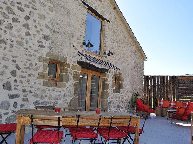 Le Petit Moulin gîte 6/8 personnes (dès 90€ la nuit), holiday rental in Cruis