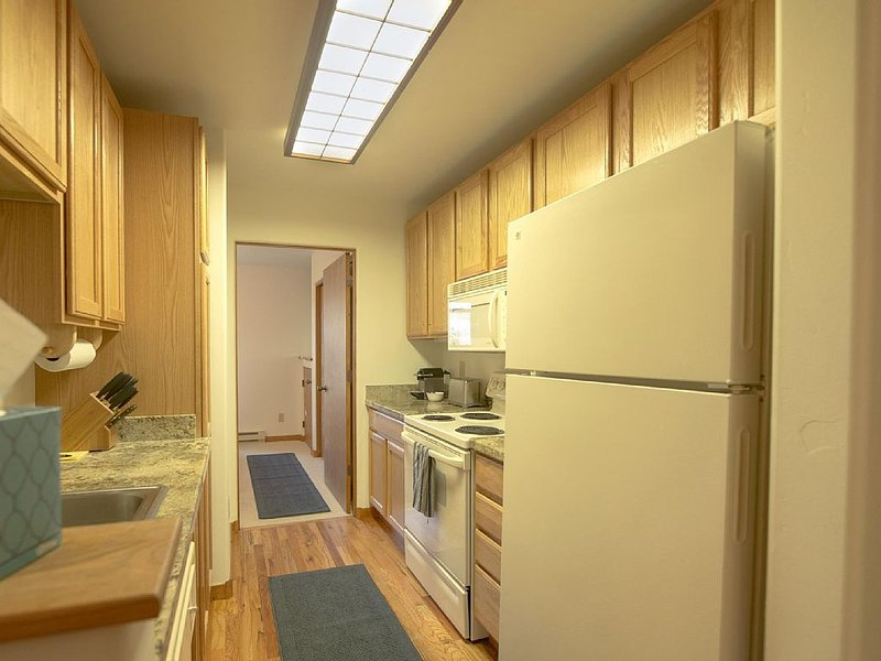 Apartment with all of Jackson Hole vacation hotspots in walking distance, holiday rental in Jackson