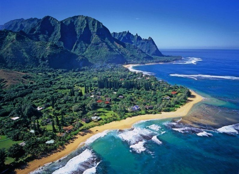 Private and Quiet Luxury Beach House 3 minute walk to beach TVNC#5151, holiday rental in Kauai