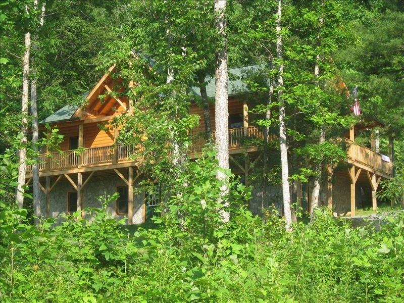 New Luxury 3/2 Log Cabin Home, alquiler de vacaciones en Marion