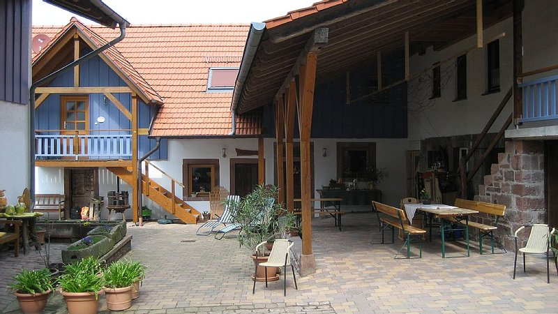 Ferienwohnung im Erdgeschoß, alquiler de vacaciones en Neckarsteinach