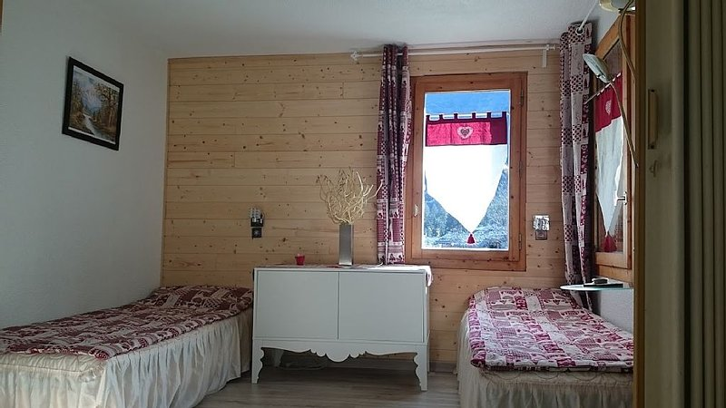 studio 4 personnes ensoleillé, casa vacanza a Les Avanchers-Valmorel