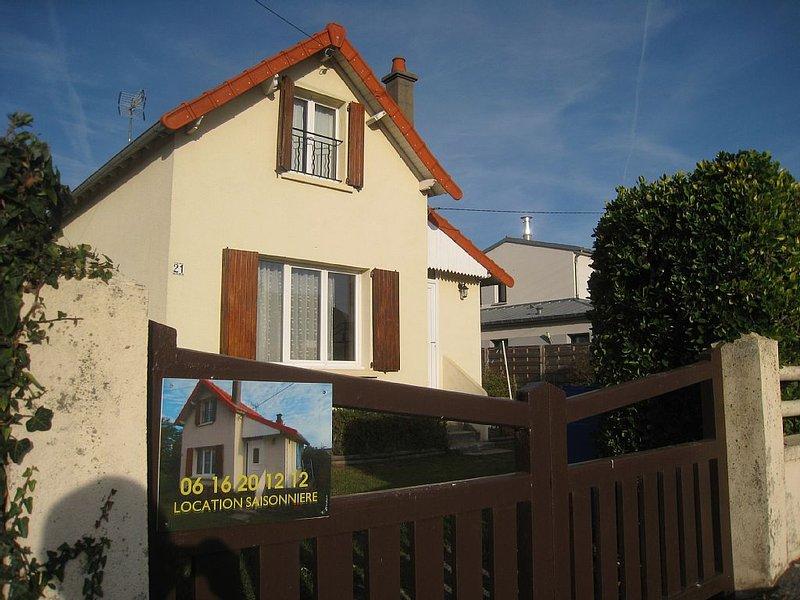 Maison avec jardin IDEALE 100M DE LA MER Classement 2 étoiles, Ferienwohnung in Manche