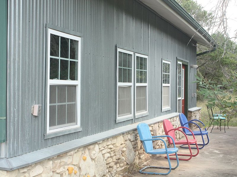 The Sugar Shack- Private, Solitary and Uber Clean!, vacation rental in Dripping Springs