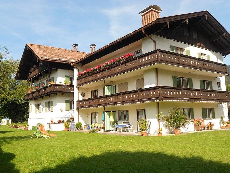 FeWo Setzberg - sehr ruhige, zentrale und sonnige Lage mit Bergblick, alquiler de vacaciones en Bad Heilbrunn