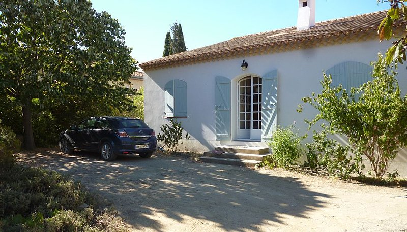 Charmante maison de famille en plein cœur du Village, holiday rental in Nissan-lez-Enserune