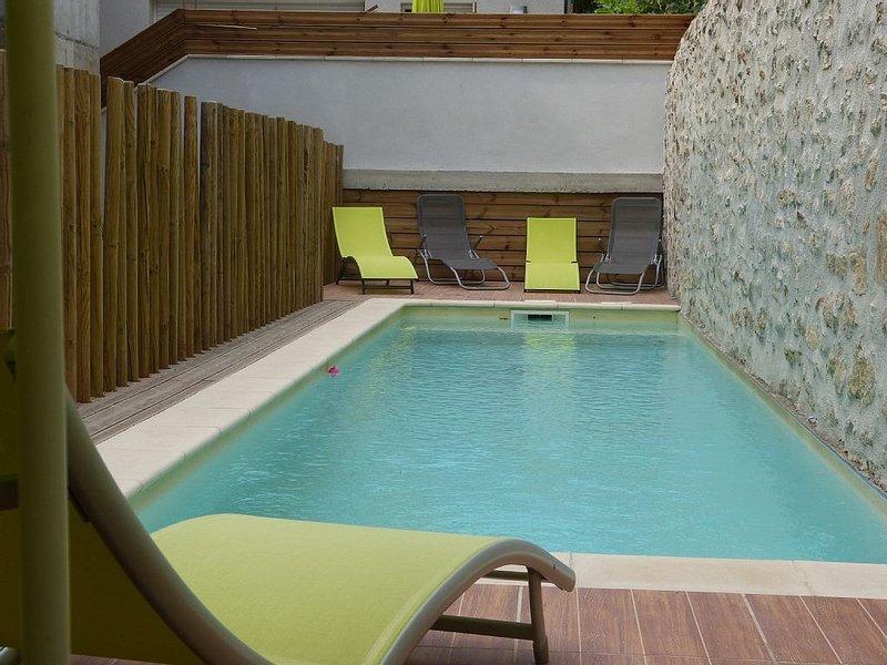 Le torrent, gîte 100 m2, centre village , dans maison rénovée comprenant 4 gîtes, location de vacances à Vallon-Pont-d'Arc