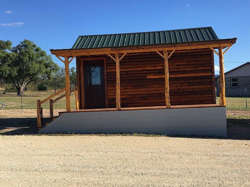 Crooked Creek Ranch Cabin 1, holiday rental in Hamilton