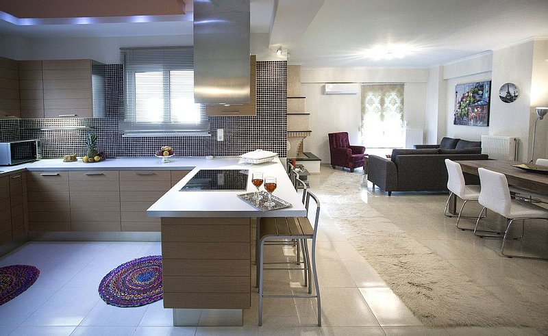 Elena & Pelagia Luxury, Brand Νew Apartment In Rethymno, Sea & Country side View, vacation rental in Rethymnon