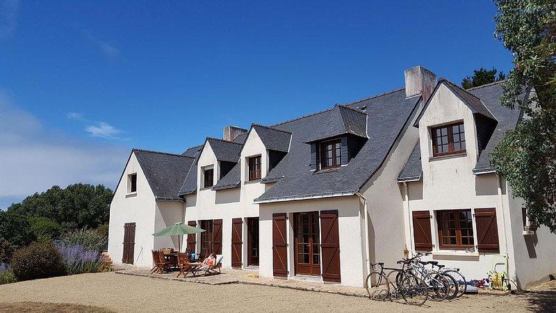 Proche Océan, belle maison de famille 24 personnes, casa vacanza a Sarzeau