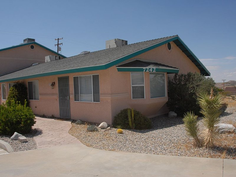 Cozy Joshua Tree Sage Experience., vacation rental in Joshua Tree
