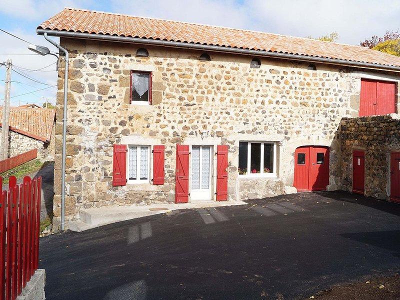 Rural House refurbished Villeverte, vakantiewoning in Lachapelle-Graillouse