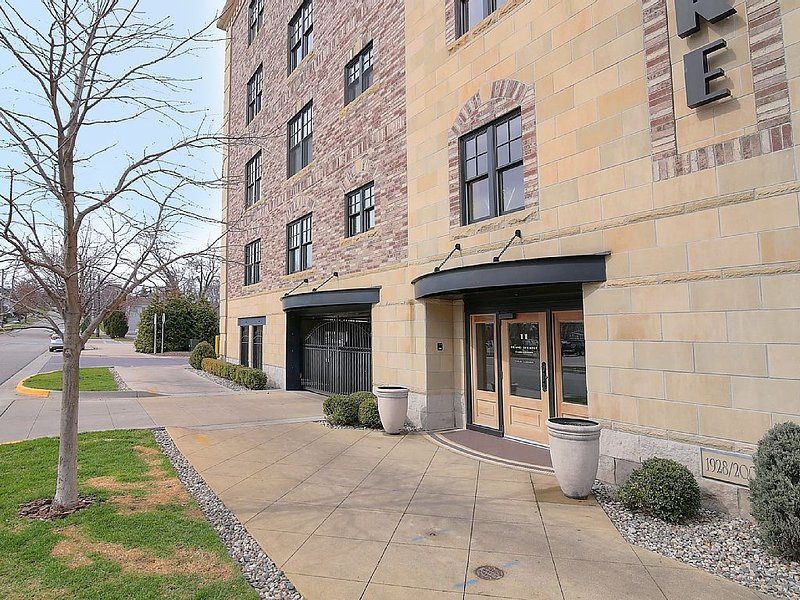 Downtown Luxury Condo, holiday rental in Grand Haven