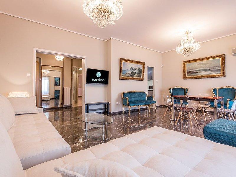 Unique apartment with great view in the best area of Pireas, location de vacances à Piraeus