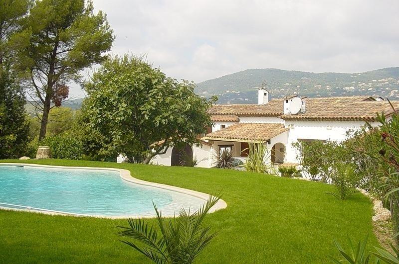 Complete relaxation starts here - Villa Des Pins, Peymeinade, Cote d'Azur, aluguéis de temporada em Peymeinade