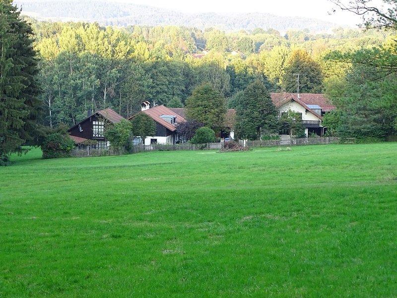 ehemaliger Bauernhof der zum romantischen Anwesen umgebaut wurde, holiday rental in Eging am See