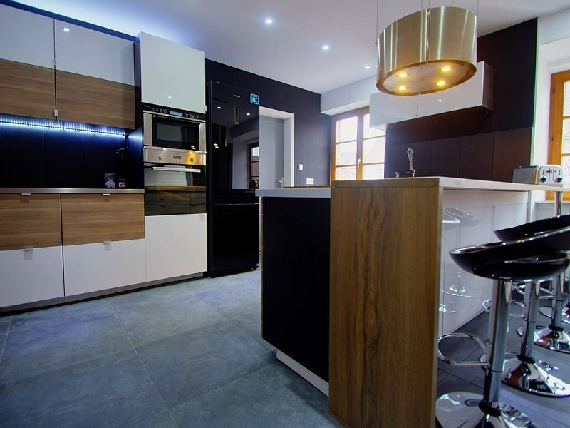 superbe appartement de standing 170 m2, en plein coeur de la route des vins, holiday rental in Beblenheim