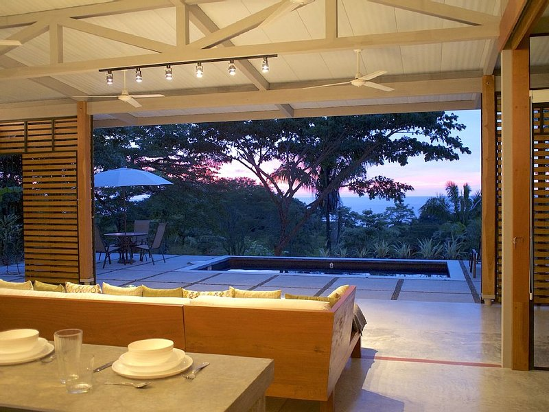 Luxurious Modern Ocean View Home, vacation rental in Santa Teresa