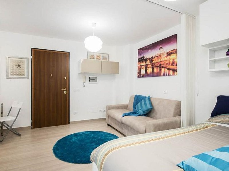 Condotti Apartment free wifi, holiday rental in Ladispoli