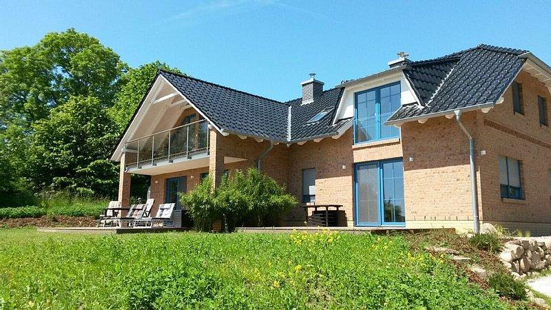 Landhaus am Rebstock FeWo Anker ganzjährig nutzbar, holiday rental in Lancken-Granitz