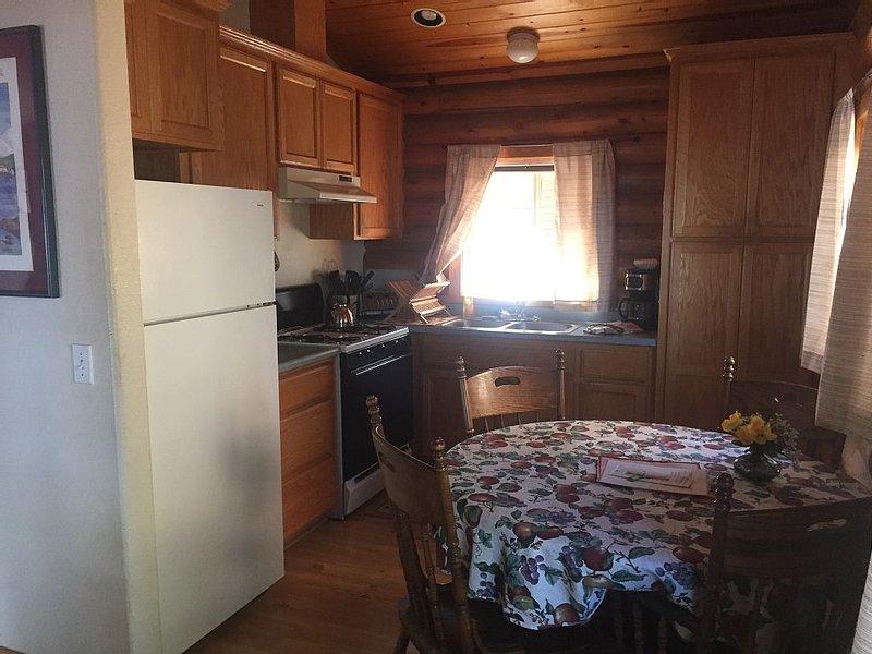 Prattville Lakefront Cabin Westshore Lake Almanor, casa vacanza a Hamilton Branch
