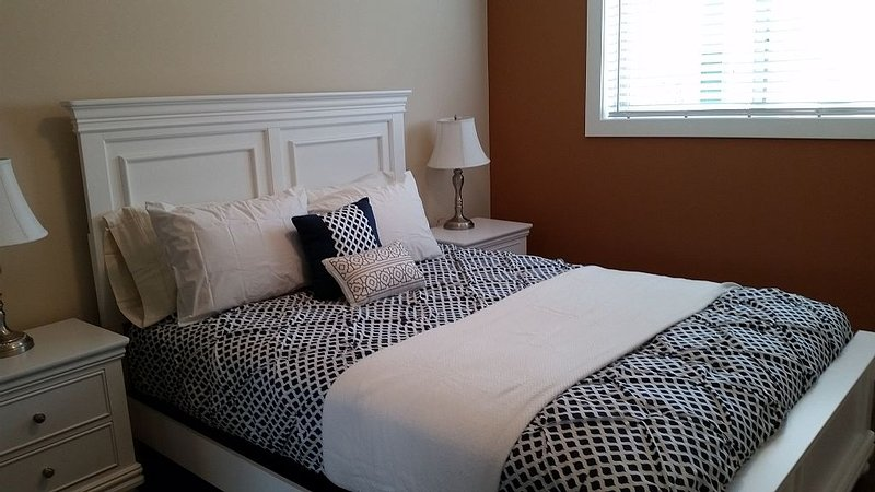 Pillow Top queen size bed.  Always clean, always perfect