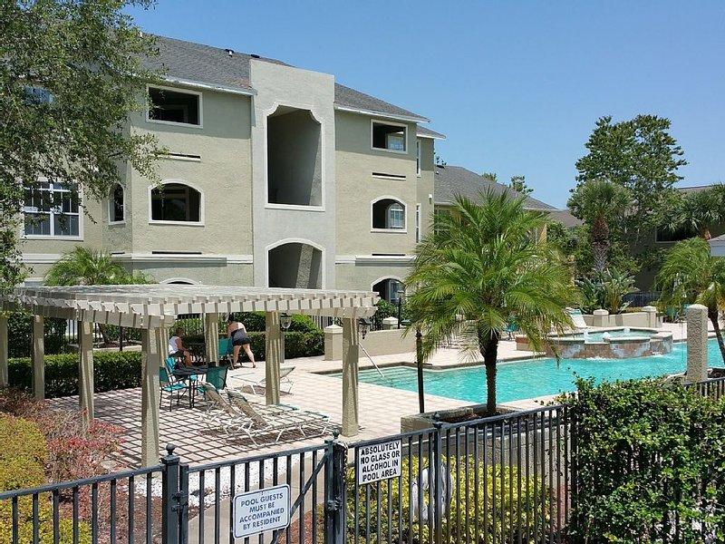 Avalon Palm, 2 Bed 2 Bath Clearwater Vacation Condo., alquiler de vacaciones en Belleair