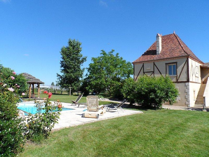 Au milieu du Vignoble de Monbazillac Et A Cote De La Riviere Dordogne, holiday rental in Lamonzie-Saint-Martin