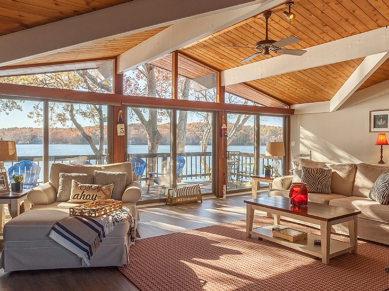 Upper Living Room view to the lake