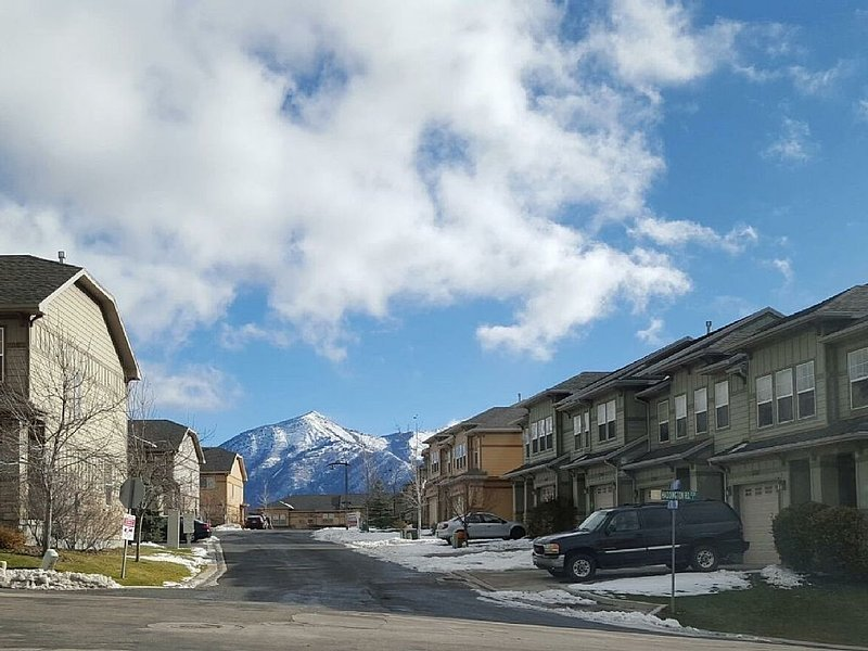 Peaceful townhome with small yard, location de vacances à Lehi