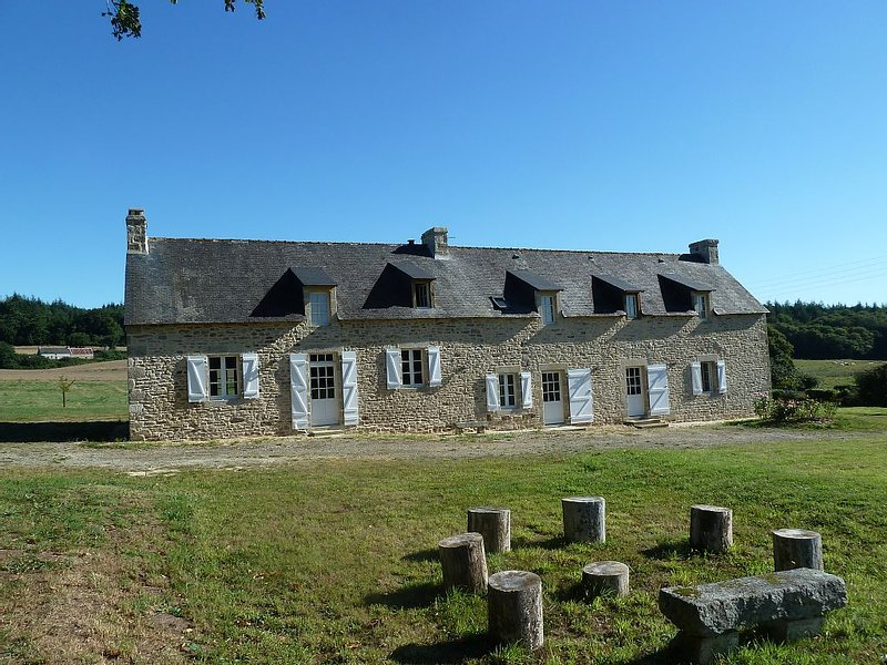Beautiful family home, vacation rental in Guilligomarc'h