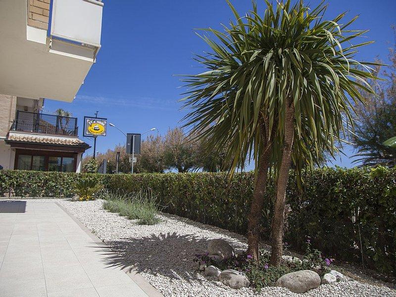 Appartamento di 55 mq sul lungomare di Porto San Giorgio, casa vacanza a Porto San Giorgio