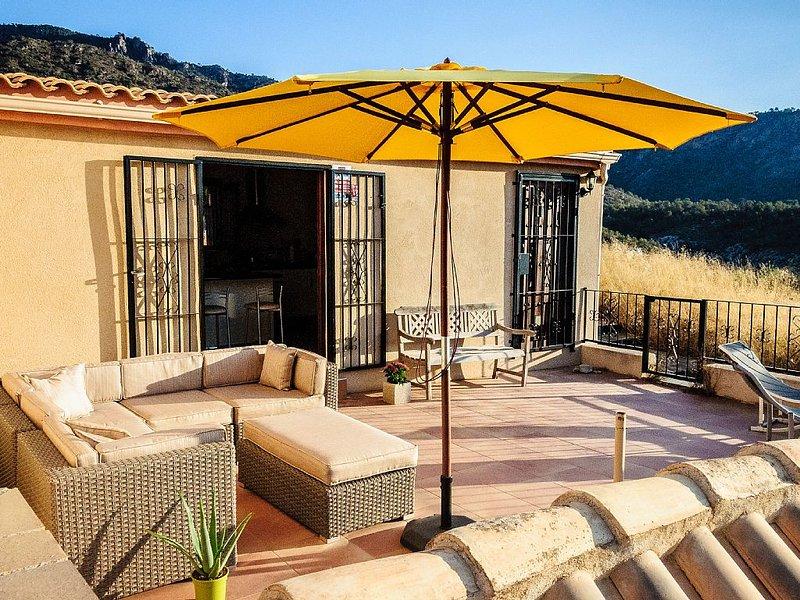 Natuur, rust en stilte! Gratis WiFi, luxe en comfort in prachtig huis, alquiler vacacional en Bullas