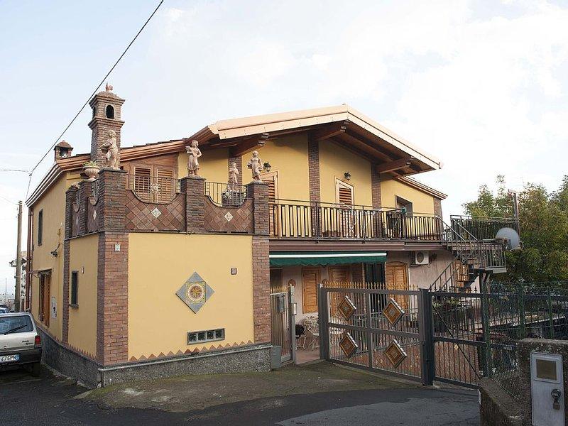 Dimora tipica alle pendici dell'Etna, holiday rental in Zafferana Etnea
