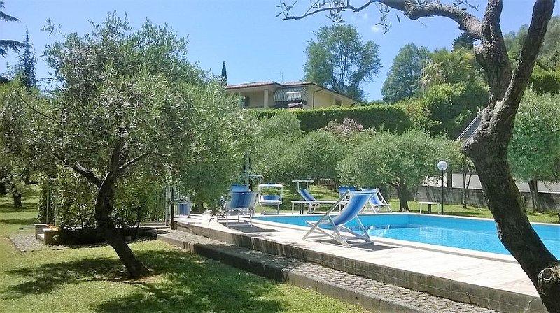 Ferienwohnung mit Pool für bis zu 6 Personen. Garten, Terrasse,, casa vacanza a Valdicastello Carducci