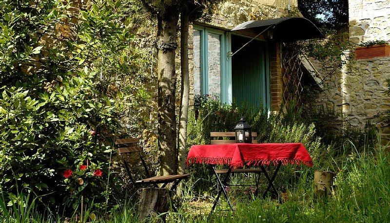 Natur pur: Eingebettet in den sanften Hügel zwischen Volterra und San Gimignano, casa vacanza a Volterra