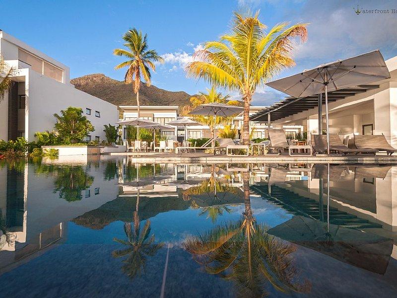 Latitude Villa - Complexe vacanciers en front de mer / Seafront holidays Complex, holiday rental in Riviere Noire