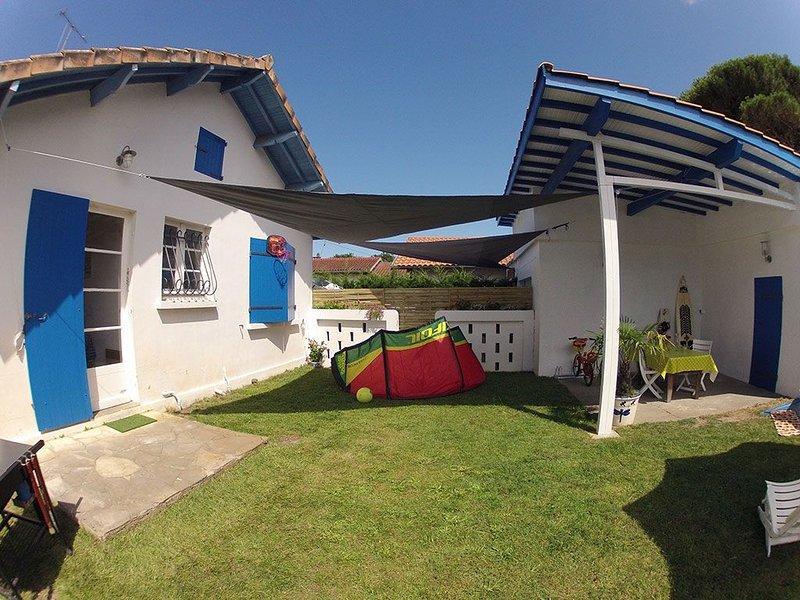 Maison mitoyenne 25m² avec jardin privatif dans impasse très calme, vacation rental in Gujan-Mestras