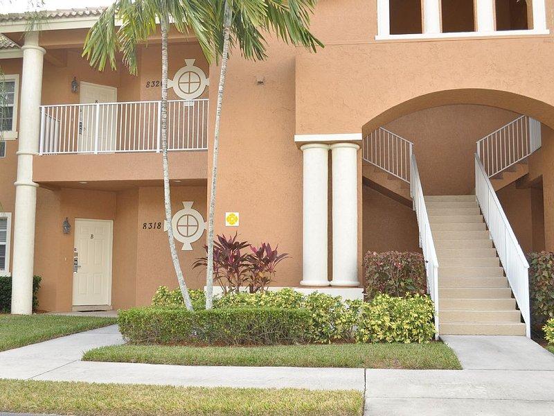 CASTLE PINES STUDIO SIDE B -PGA VILLAGE GOLF COMMUNITY, casa vacanza a Port Saint Lucie