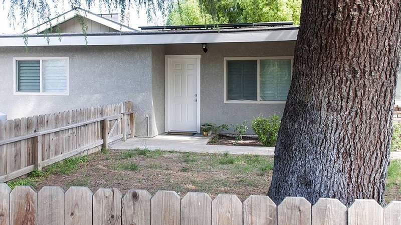Launchpad to Adventure and Relaxation, holiday rental in Clovis